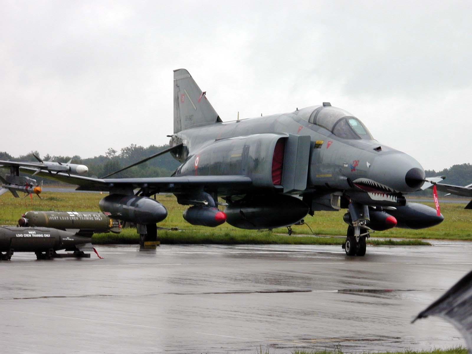 jet fighter jetfighter plane airplane miitary combat war bomb bombs missile missles rocket rockets