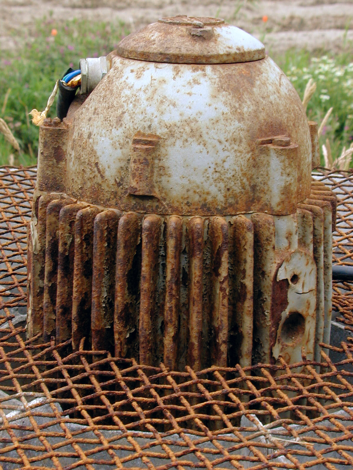 engine metal rust rusted object