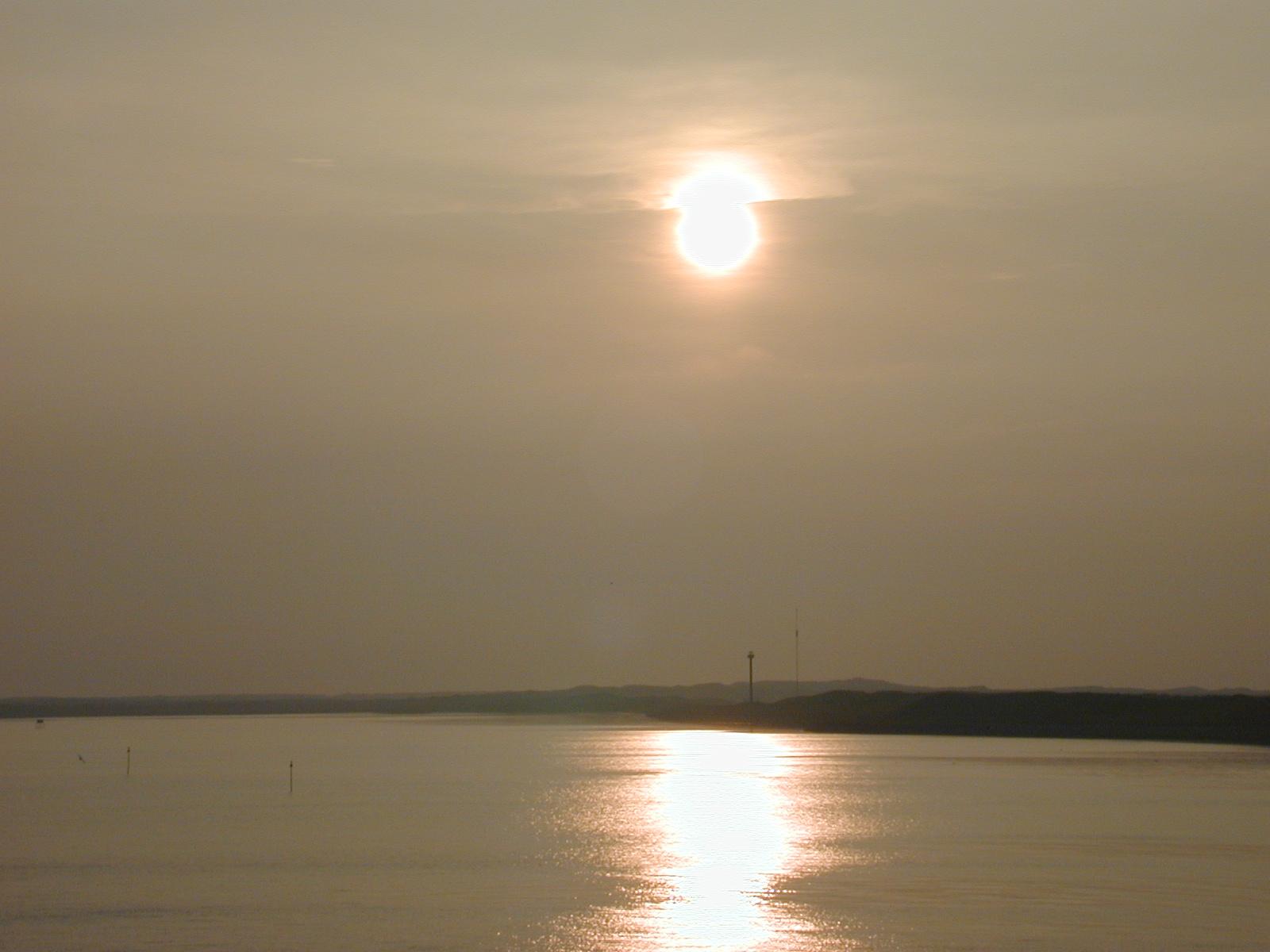 sun sundown lake golden gold mist