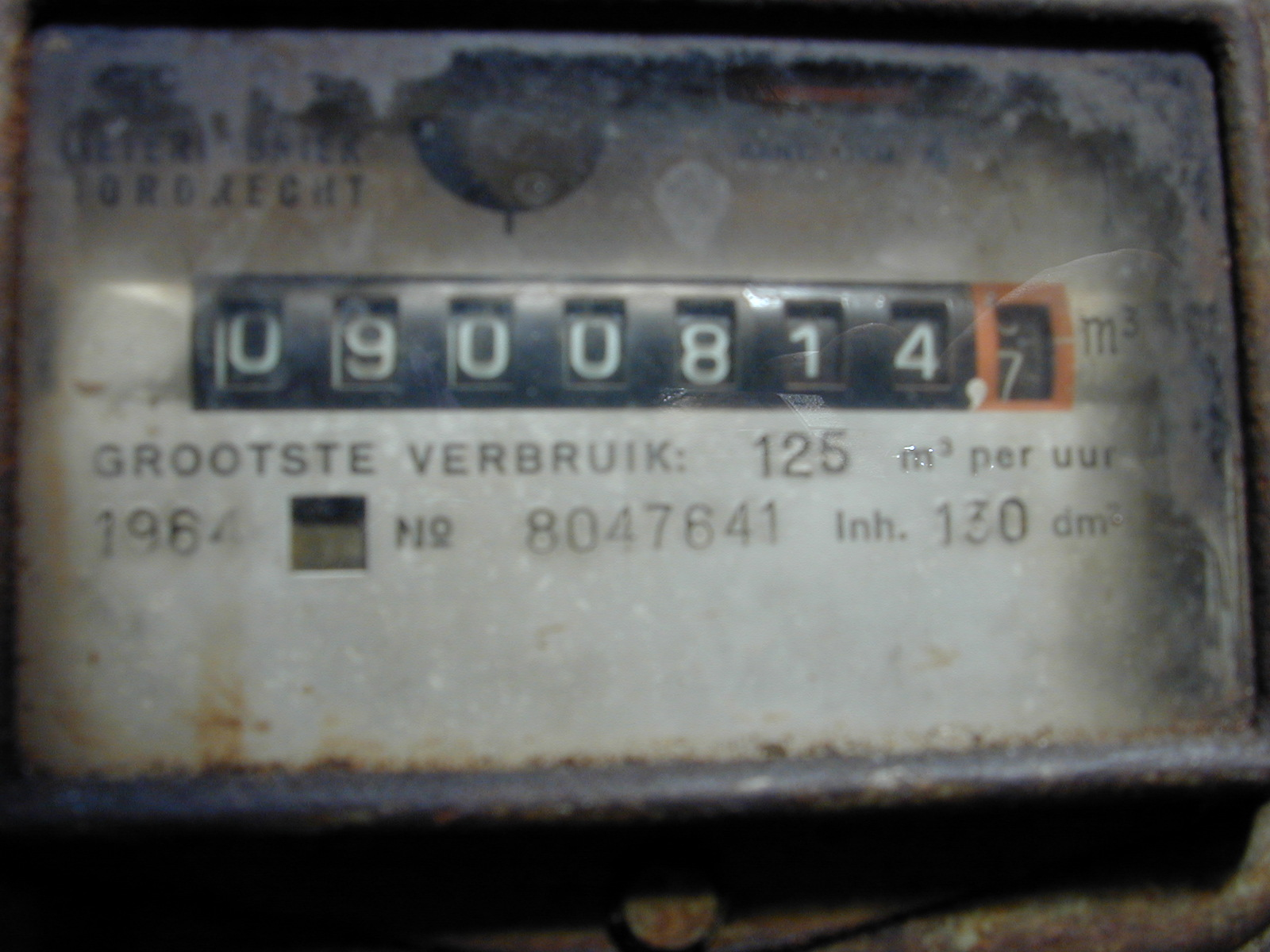 gas meter numbers counter insanely blurry image i wonder how this made the final cd...