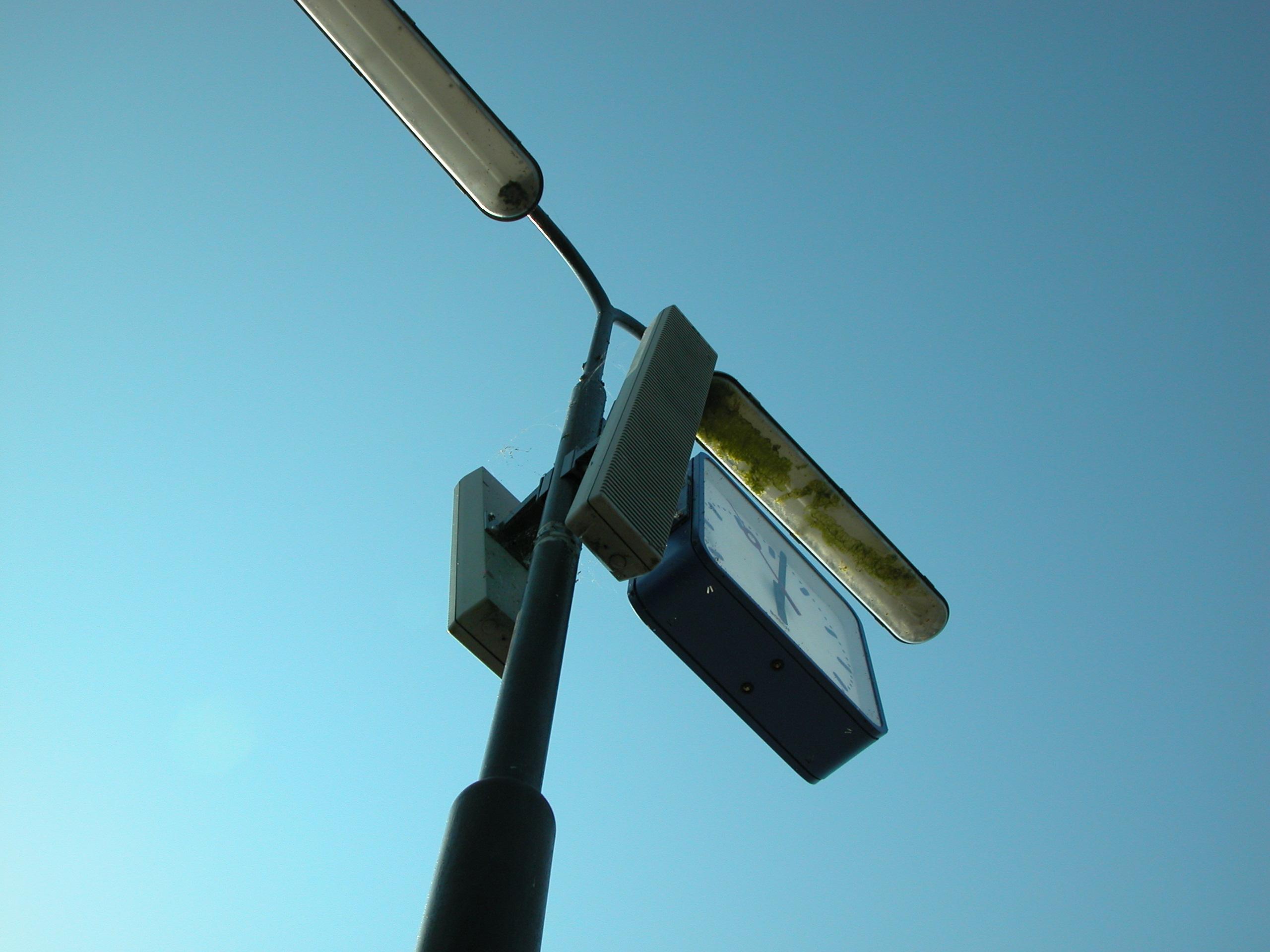 objects lamppost speaker speakers lamp clock time