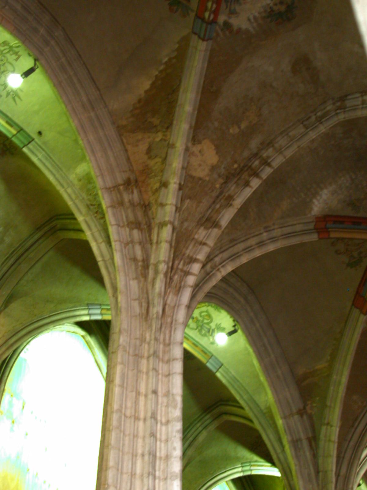 architecture interiors column pillar church cathedral gothic ceiling