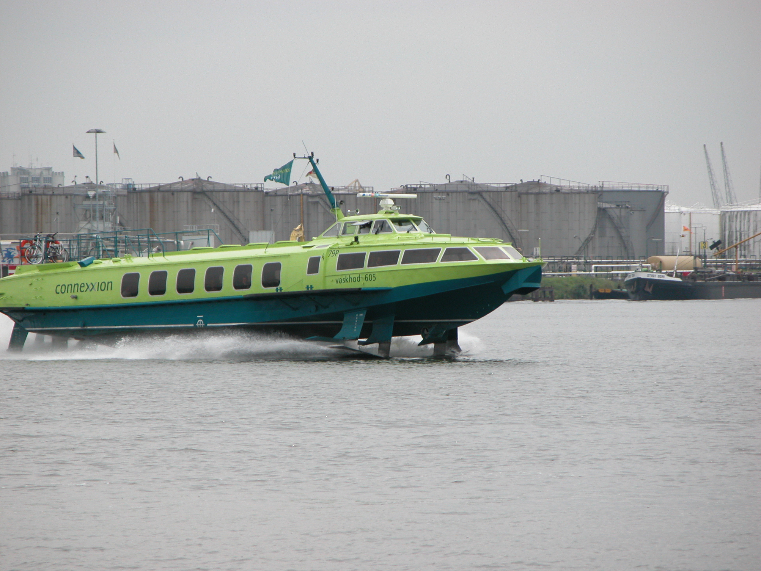 vehicles water boat bus transport publictransport highspeed speed speedy green connexxion water river russian