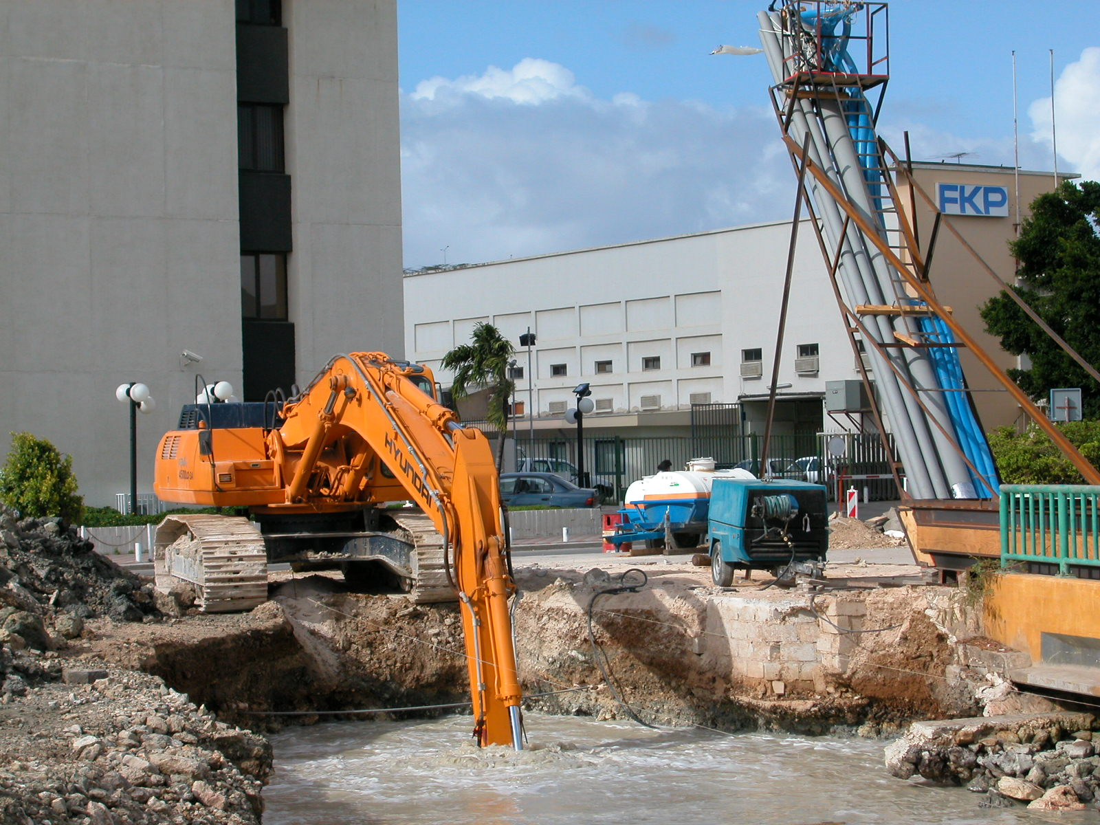 construction site digger machinery hyandai working