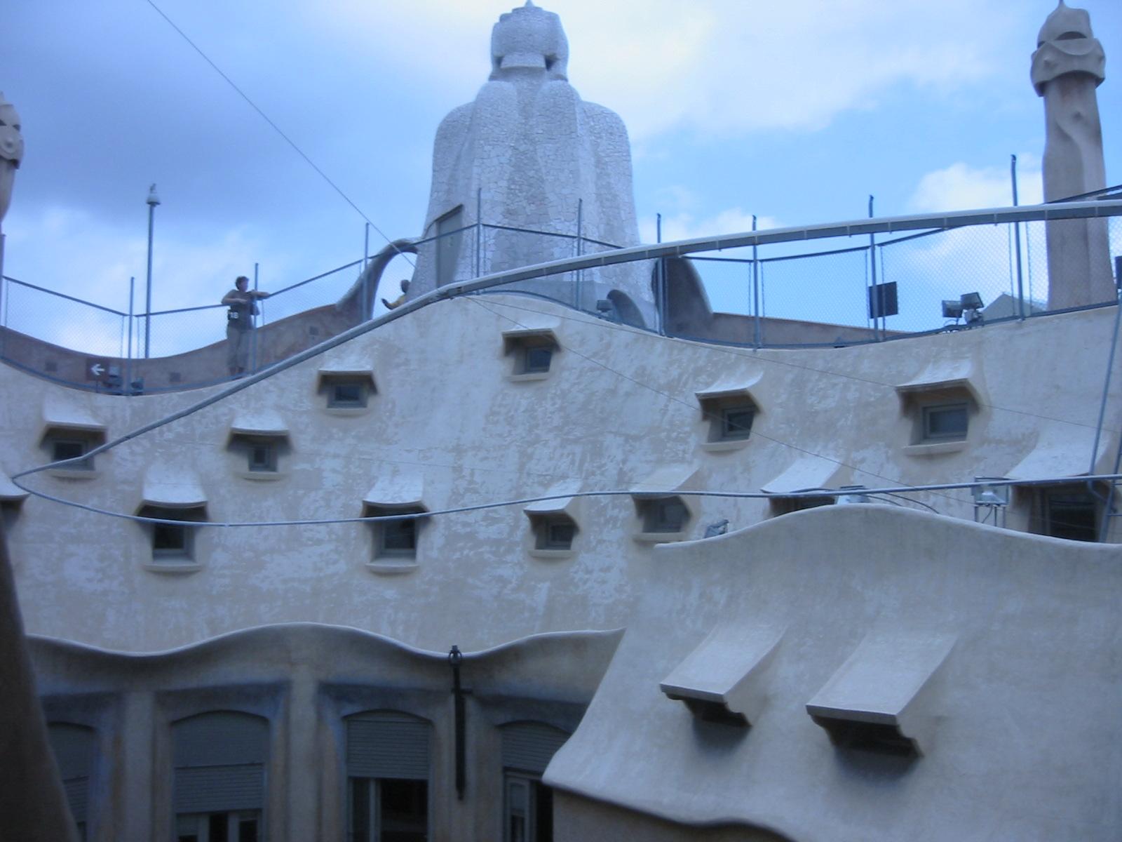 architecture exteriors barca barcelona gaudi building organic