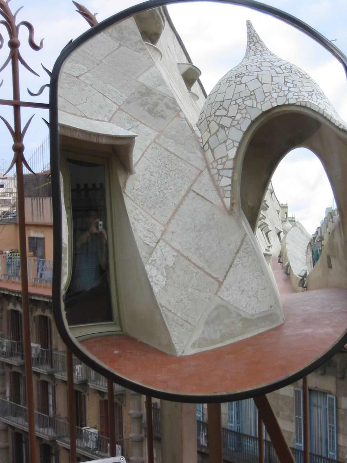 mirror rearview rear-view barcelona gaudi fantasy fantastic shape architecture