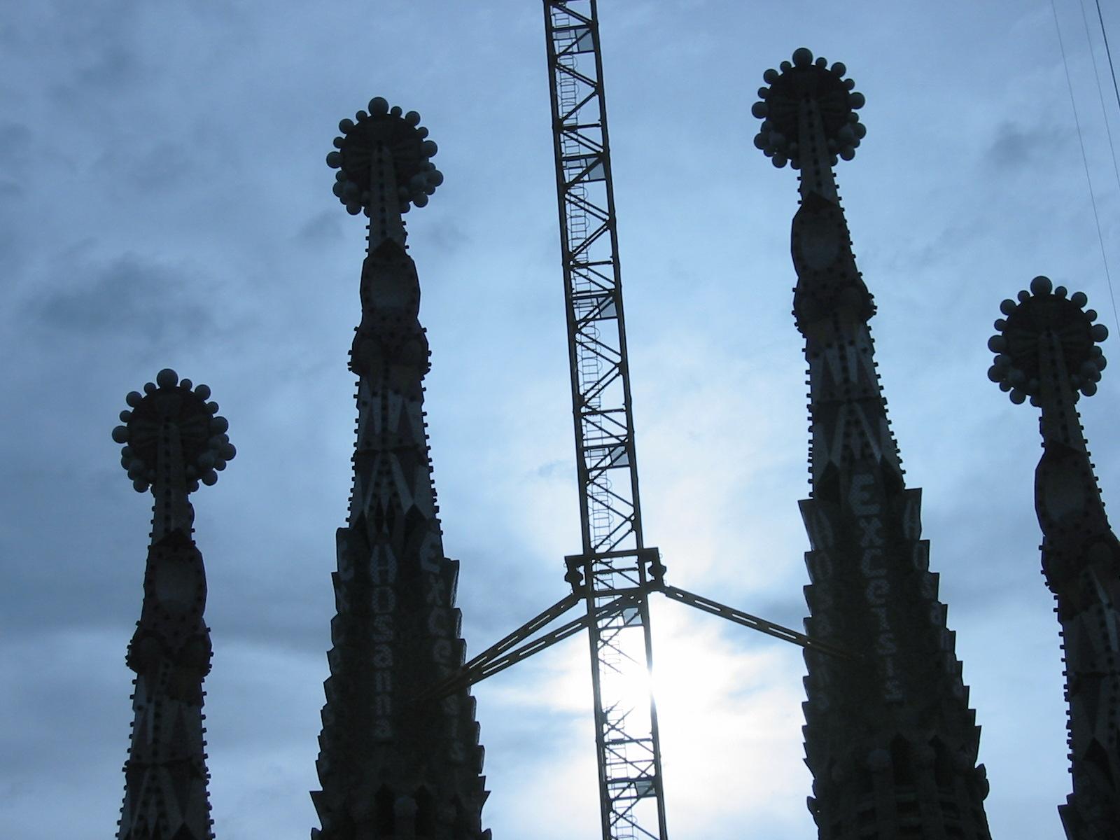 barcelona gaudi Sagrada Familia sun silhouette blue sky