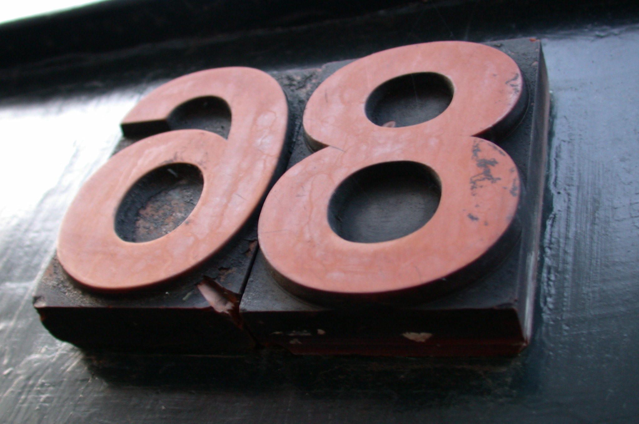 typo typography wood number numbers 8 6 9 red