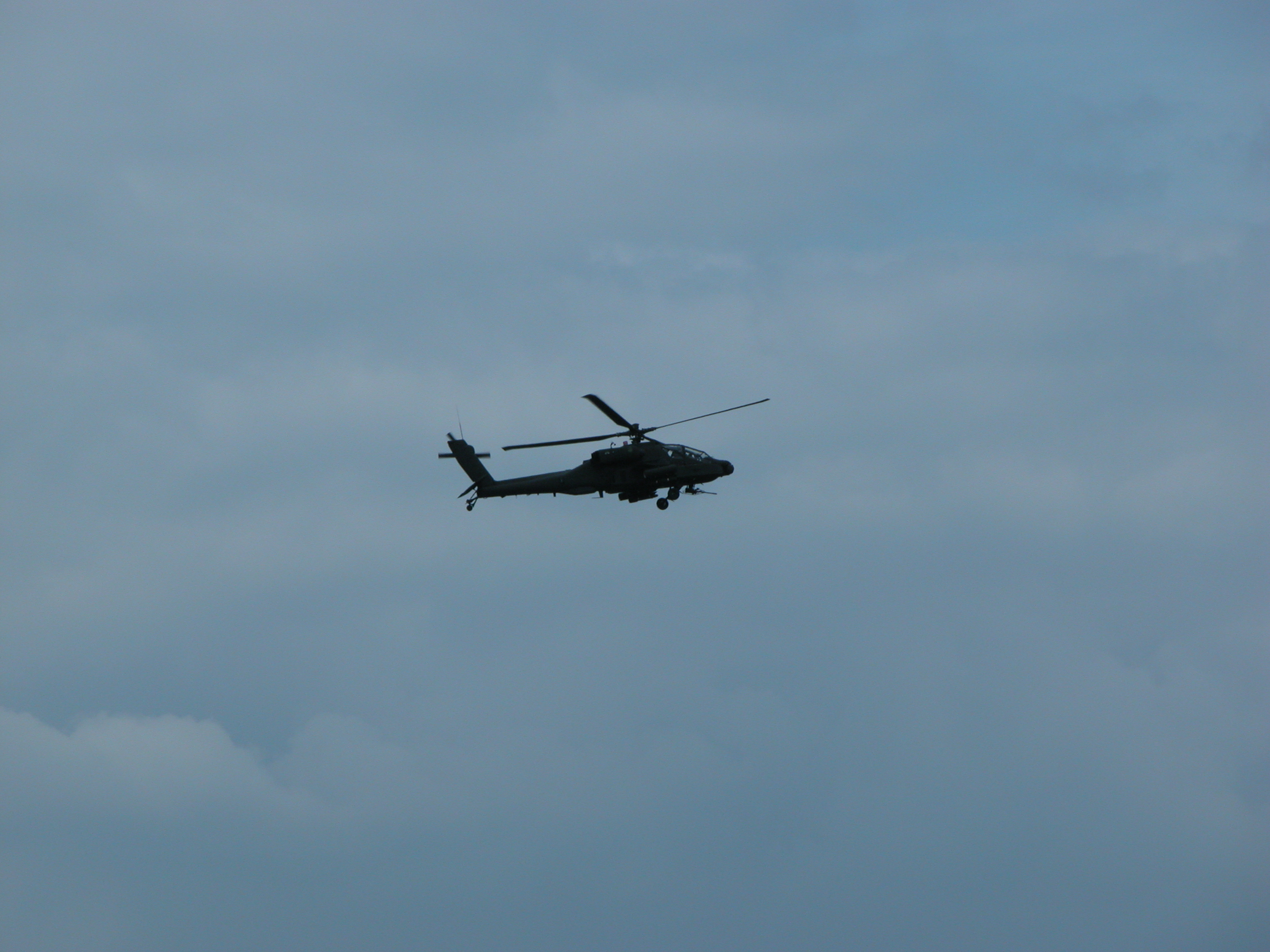 vehicles air apache ah64 flying airshow dutch helicopter chopper silhouette attack