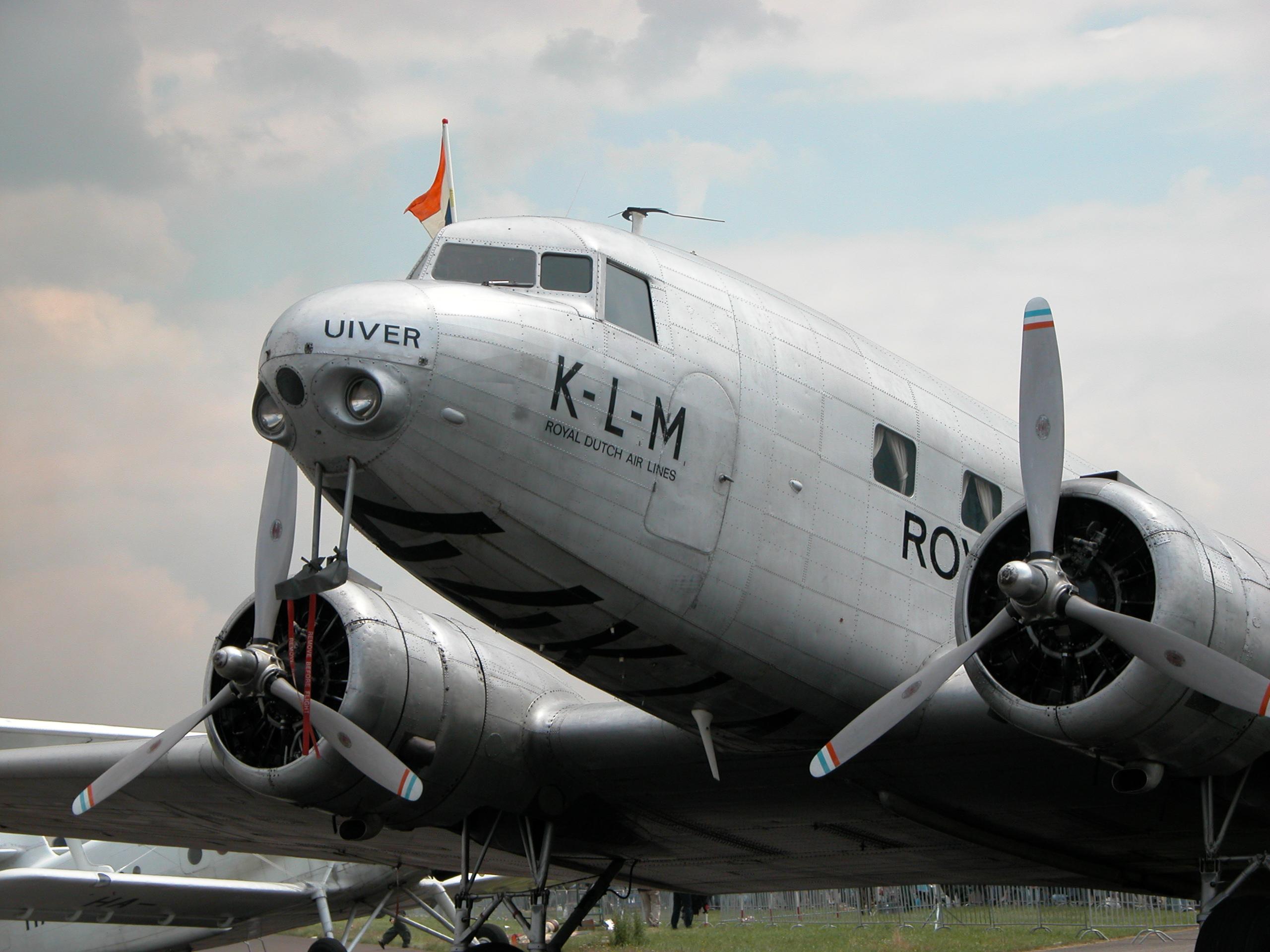 airplane plane oldtimer classic dakota klm royal dutch airlaines airpliner passanger rotors engines images