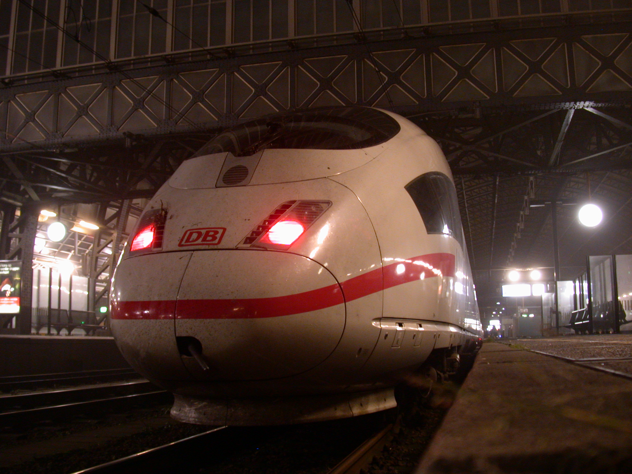 train station cockpit high speed highspeed fast tgv white red stripe headlights textures